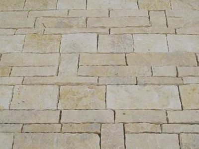cobblestone-pavers-loose-yellow-limestone-tumble1