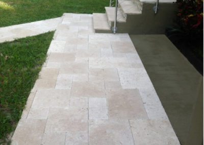 french-pattern-travertine-tiles