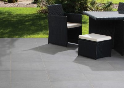 outdoor-tiles-in-harkaway-bluestone
